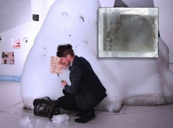 Colin Cloud - the forensic mind reader reveals celebrity twitter posts, deduced and frozen in ice, 4 days head of time. Photo © Ivor Tetteh-Lartey
