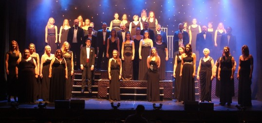 The full ensemble of Showcase 2014. Photo: Diane Innes (click photo to see full size)