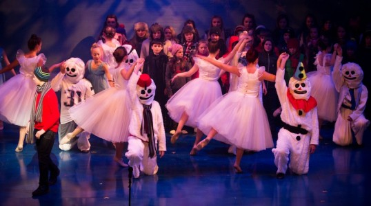 The Ballet sequence in Snow Tales. Photo: Glenda Robertson