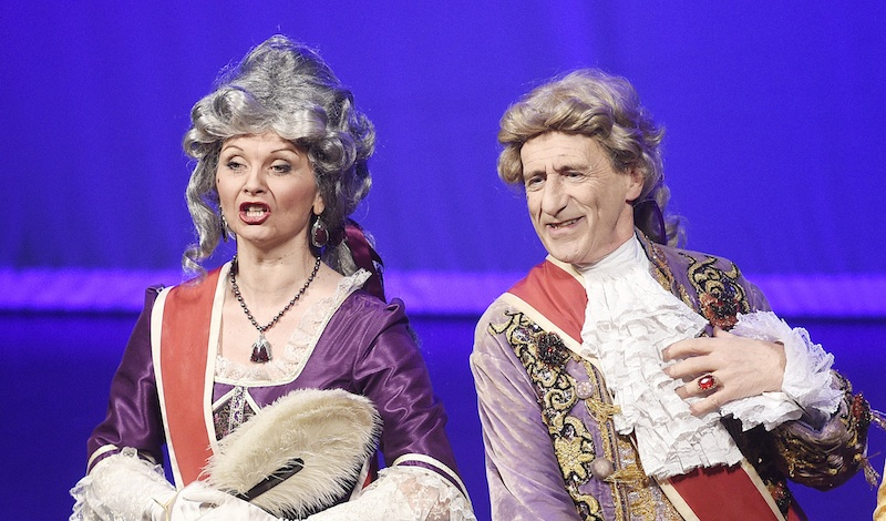 Fiona Main and Ian Lawson as the Duchess and Duke of Plaza-Toro. Photo Greg Macvean